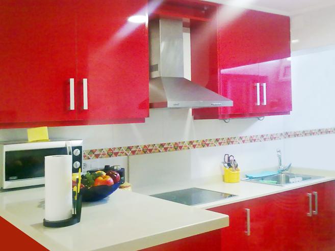 Muebles Para Baño Ferrari:Cocina rojo ferrari