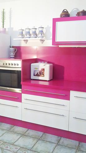 Cocina rosa y blanco brillo muebles a medida armarios cocinas ba os madergil - Cocinas rosa fucsia ...